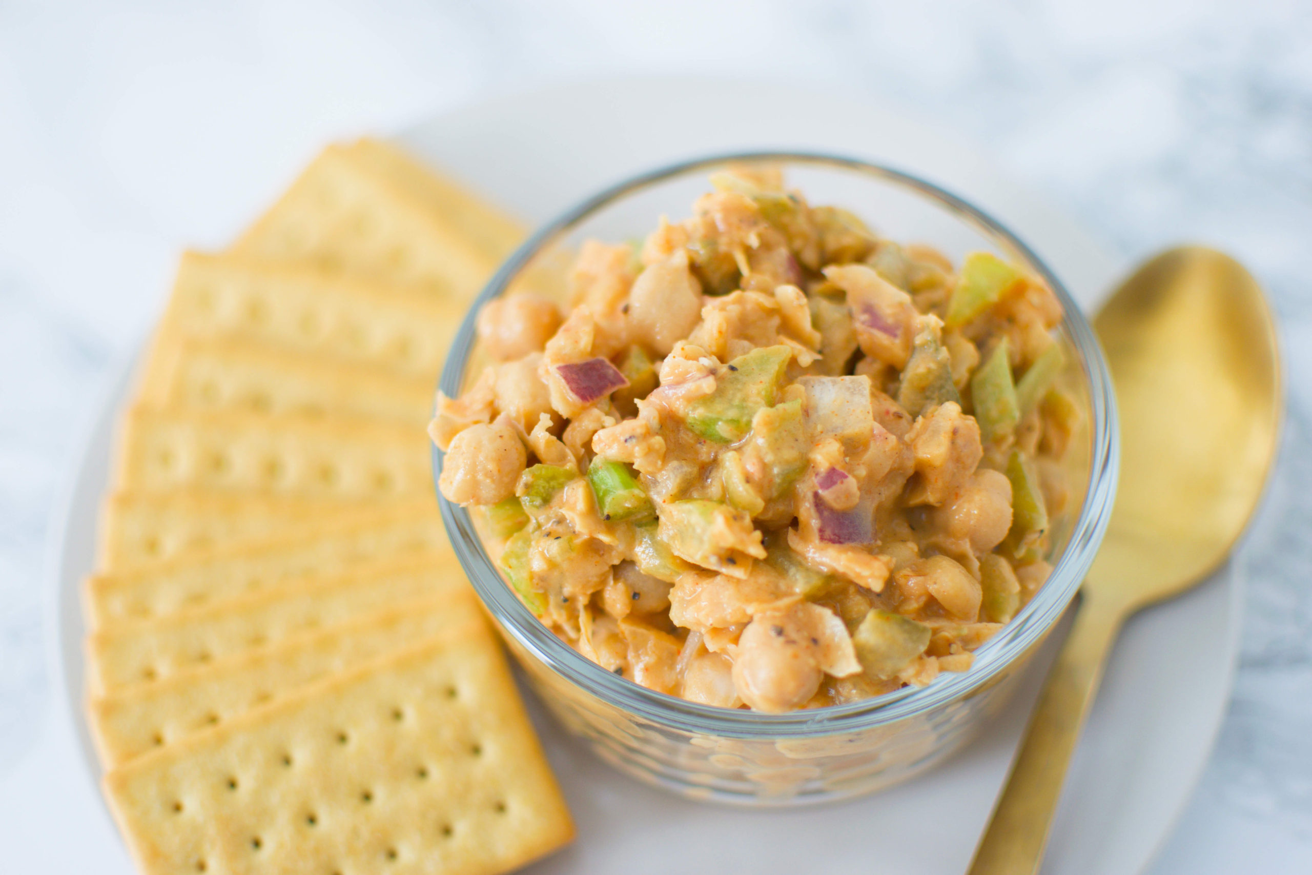 Chickpea Tuna with crackers