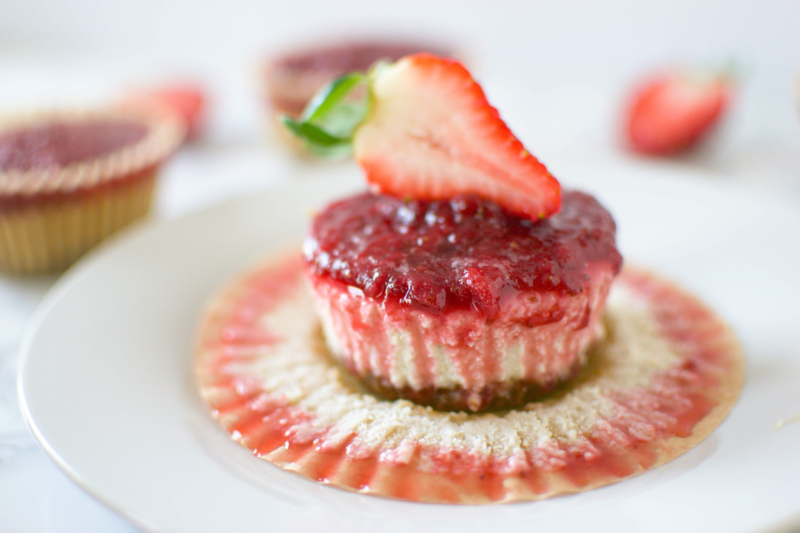 Vegan Strawberry Cheesecake Bites