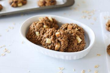 Vegan Apple Cinnamon Oatmeal Cookies